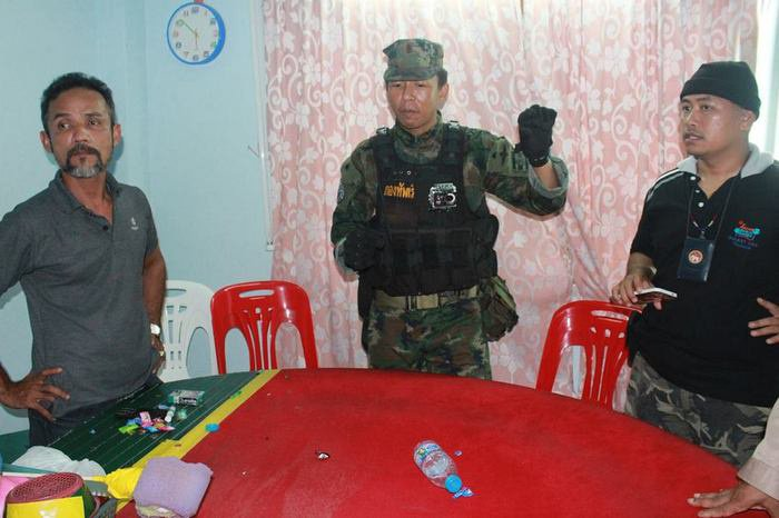 Phang Nga police officer busted in Phuket gambling raid | The Thaiger