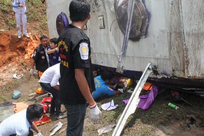 Seriously injured Chinese tourists remain in hospital after bus crash | The Thaiger