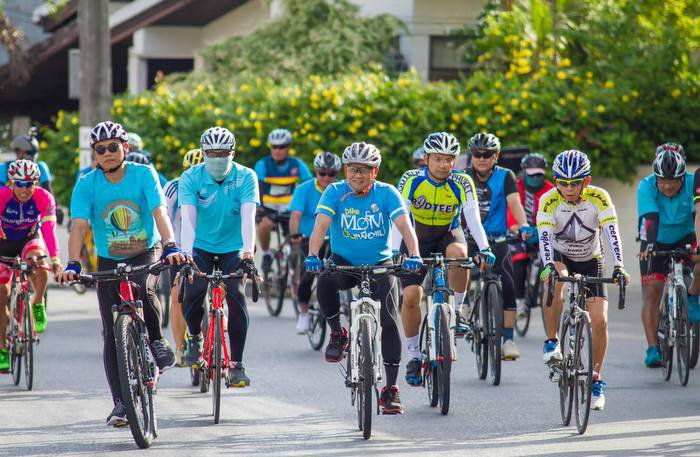 "Hundreds to ""Bike for Governor' 