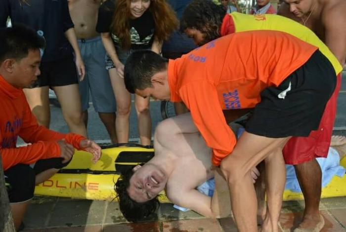 Thai man ignores red flags, nearly drowns | The Thaiger