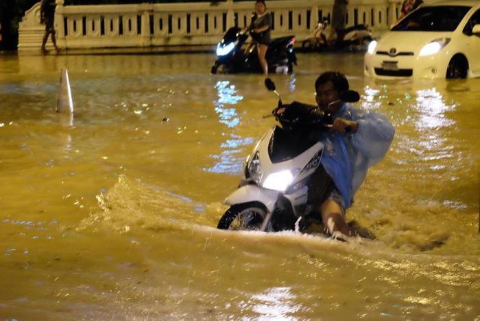 Incessant rains cripple Phuket overnight | The Thaiger