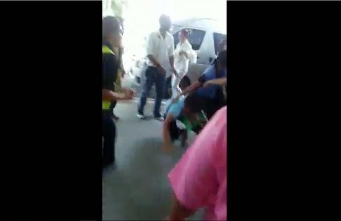 Krabi taxi drivers' brawl goes viral | The Thaiger
