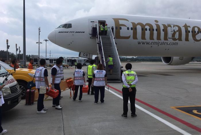 Emergency landing at HKT, one passenger dead | The Thaiger