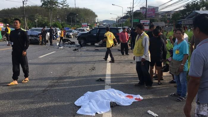 Motorcyclist killed in horrific rush-hour smash | The Thaiger