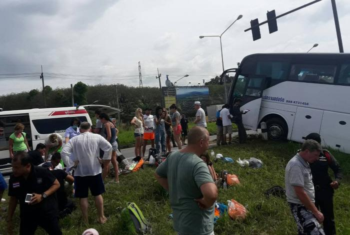 Busload of Russians injured as 'brakes fail' | The Thaiger