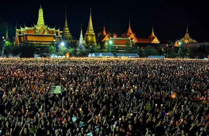 Free trip to Grand Palace for Phuketians in mourning | The Thaiger