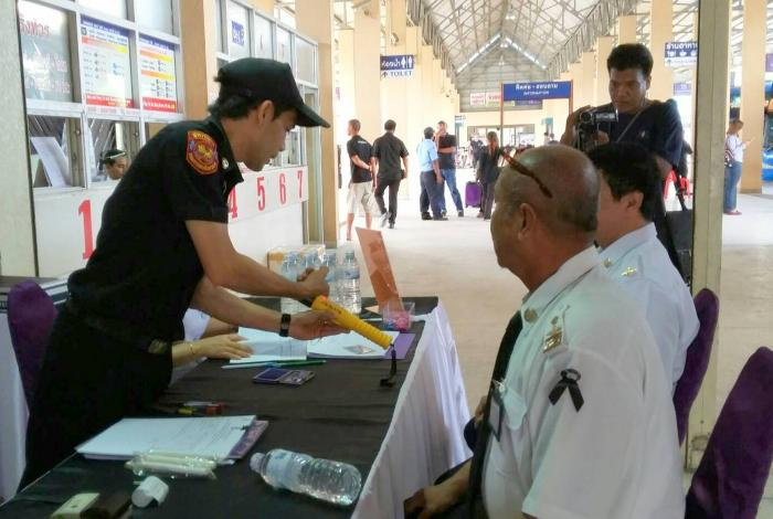 Krabi officials, transport companies team up for holiday road safety | The Thaiger