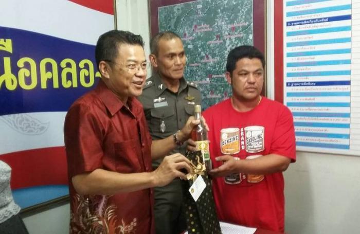 Road-raging Krabi van driver surrenders [video]   Thaiger
