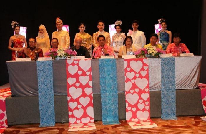 OTOP gets lovely for Valentine-themed festival [video]   Thaiger