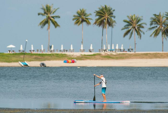 SUP champion comes to teach paddling in Phuket | The Thaiger