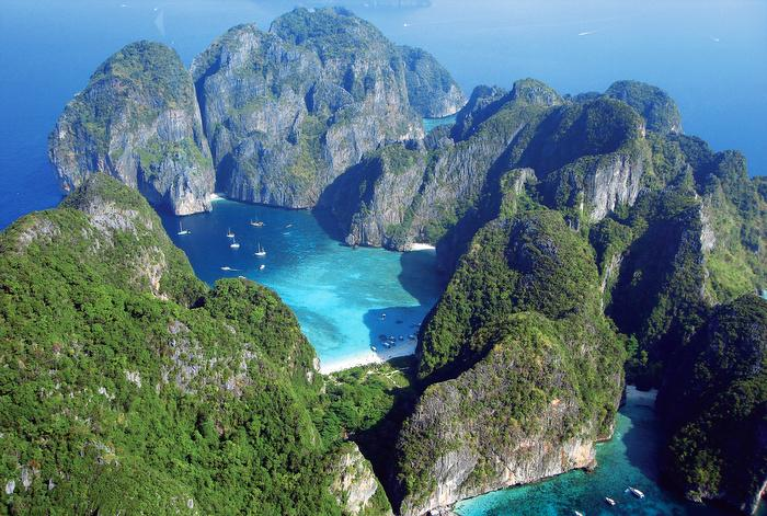 Divers to cough up extra cash for Phi Phi marine park fee | The Thaiger