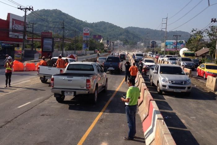 Traffic finally flows through Samkong Underpass | The Thaiger