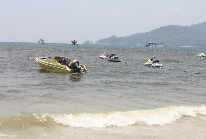 Untreated wastewater flowing into Patong Bay, allege Phuket beach operators | The Thaiger