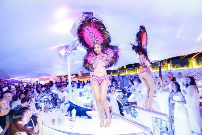 """""""One Last Party' before iconic Phuket beach clubs get demolished 