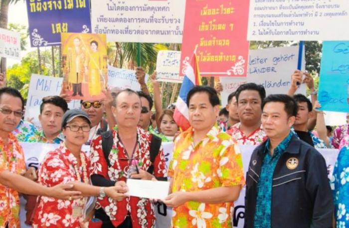 Andaman tour guides rally against illegal foreign workers | The Thaiger