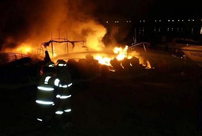 Flames ravage Phuket speedboats | The Thaiger