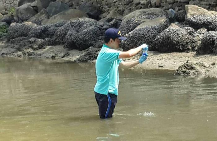 Patong Bay water sent to Bangkok for testing | The Thaiger