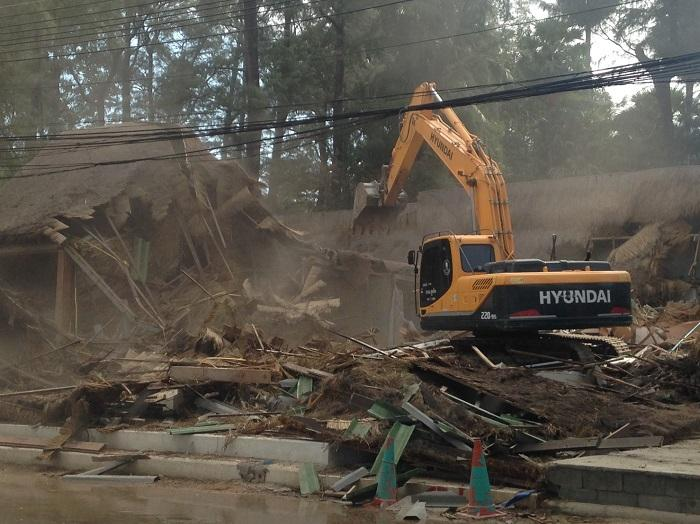 Breaking News: Surin Beach demolition underway | The Thaiger
