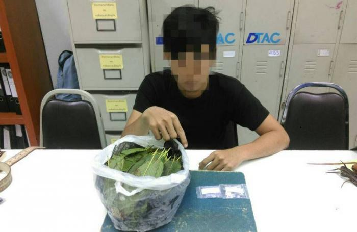 Drug addict arrested for Family Mart robbery | The Thaiger