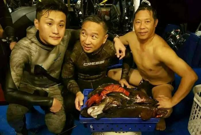 Hong Kong spear fishers put Similan dive boat in hot water | The Thaiger