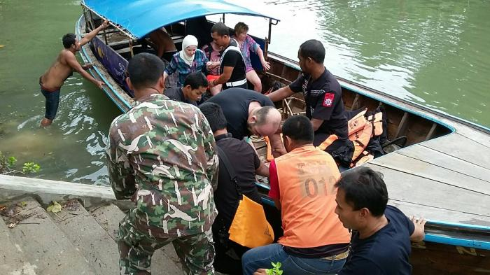 Tourists abandoned in stormy sea after illegal longtail sinks off Krabi   The Thaiger