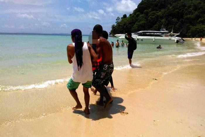 Elderly tourist dies while swimming on Koh Phi Phi | The Thaiger