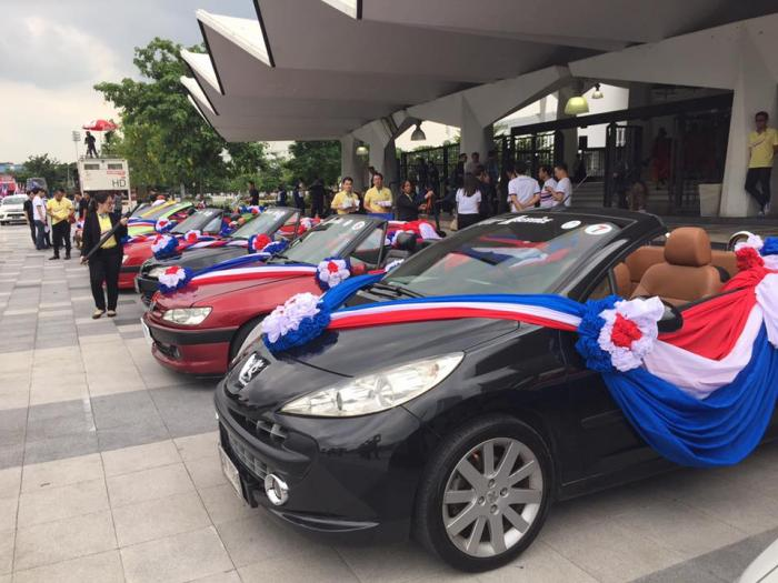 Thai Olympic medalists parade for the people | The Thaiger