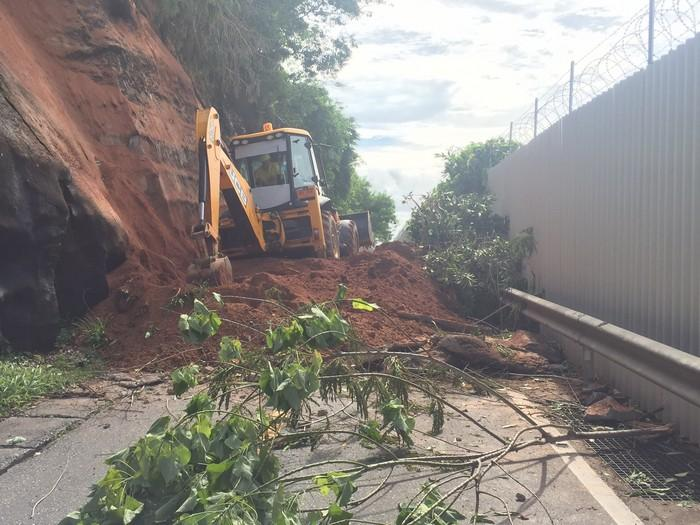 Landslide forces airport road closure | The Thaiger