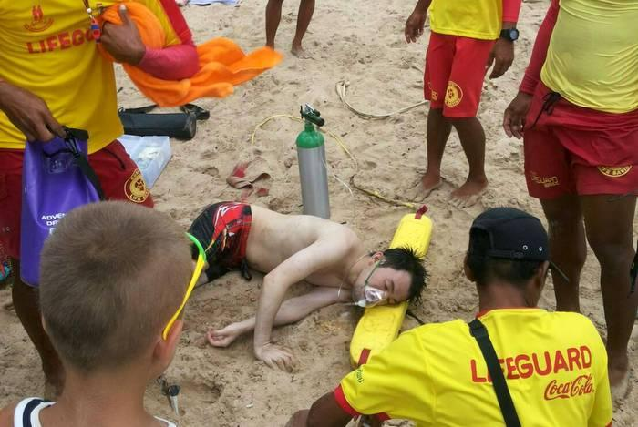 Tourists rescued from sinking longtail, drowning | The Thaiger