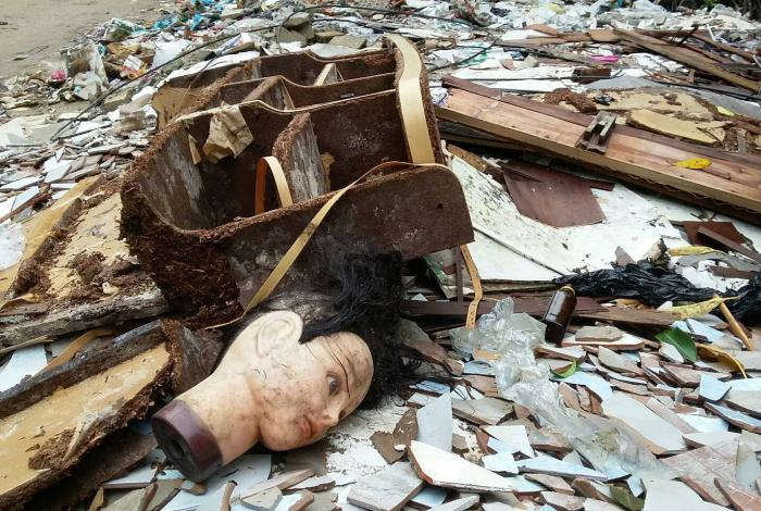 Nocturnal fly tippers trash Krabi mangrove | The Thaiger