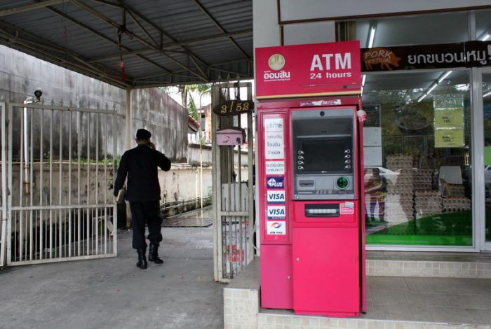 Arrest warrants issued for ATM hackers | The Thaiger