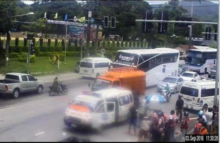 Motorcyclist killed as CRV driver runs light | The Thaiger