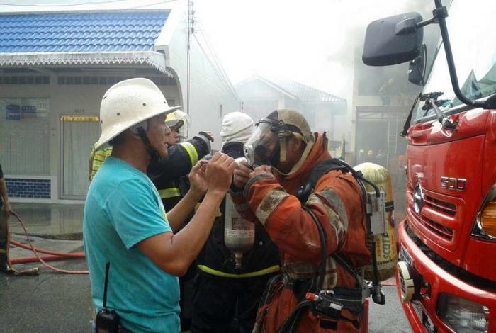 Blaze guts Phuket Town home | The Thaiger