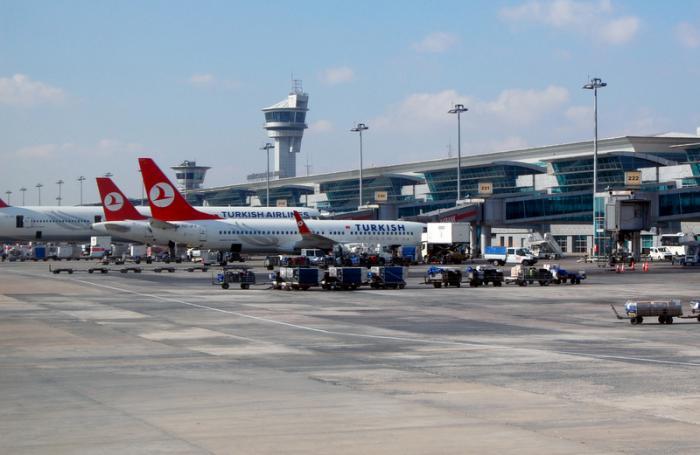 Cardiac arrest victim prompts emergency landing at Phuket International Airport   The Thaiger