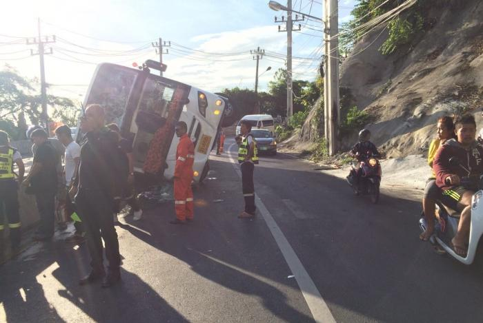 Bus crash in Phuket injures 16 Indian tourists | The Thaiger