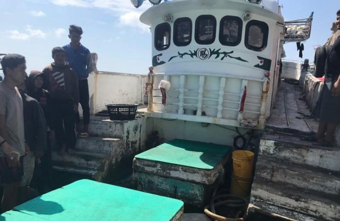 Body of fishing boat crew member brought to Phuket | The Thaiger