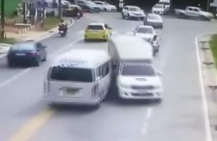 Two injured in four-vehicle Phuket crash   The Thaiger