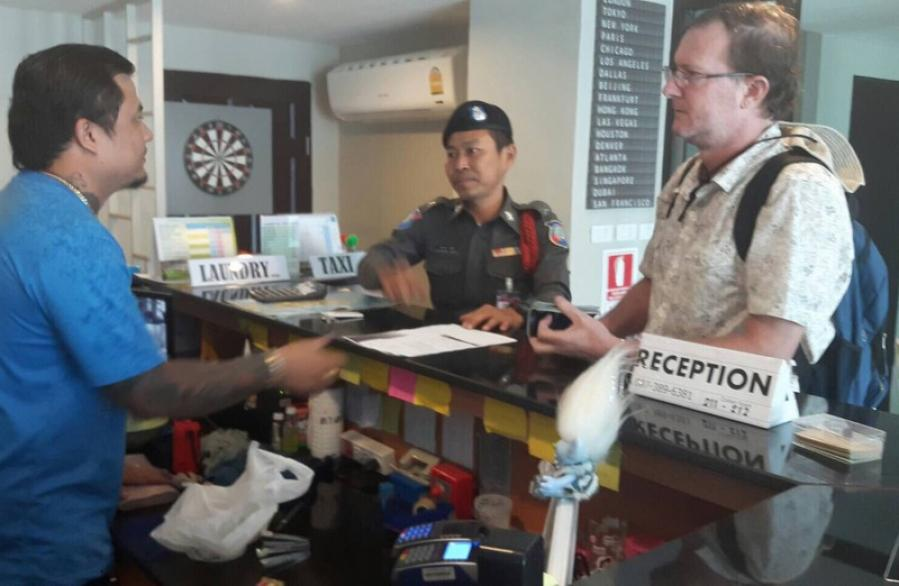 TAT, Phuket Tourist Police come to American tourist's aid | The Thaiger