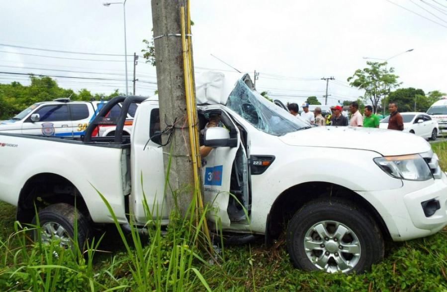 One injured in single-vehicle Phuket crash | The Thaiger