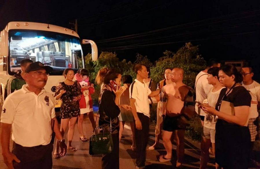 Illegal Chinese tour guide wanted for abandoning Phuket tour group | The Thaiger