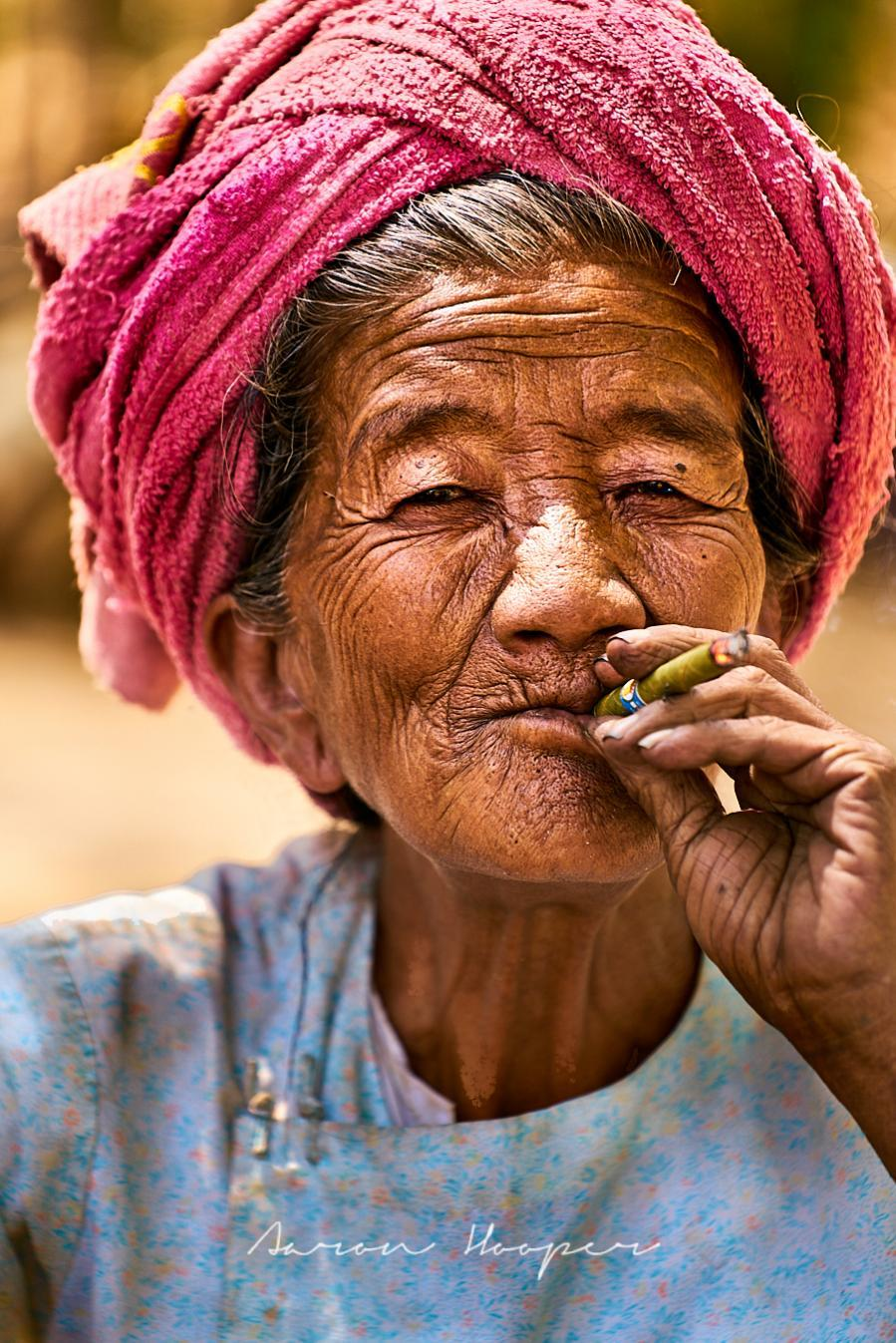 Hooper Trips Asia: Schwe Indein Pagoda Village Woman | The Thaiger