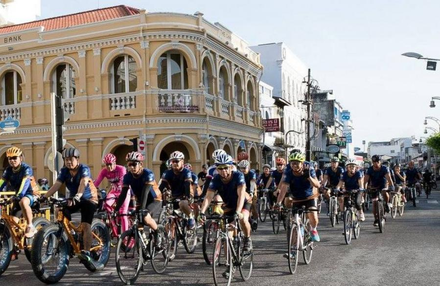 More than 4,000 cyclists join Phuket biking event | The Thaiger