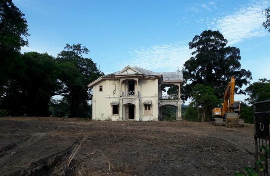 Phuket residents express concerns about destruction of historic building | The Thaiger
