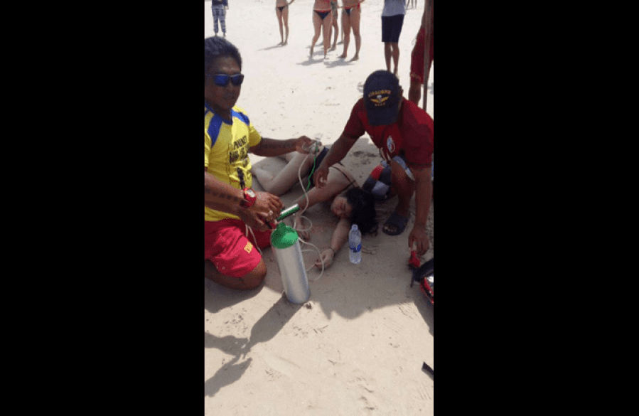 Chinese tourist rescued from drowning by Patong lifeguard | The Thaiger
