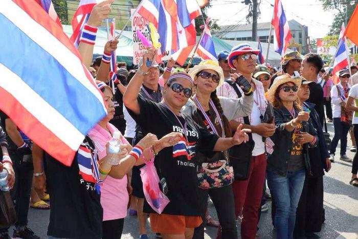 Phuket anti-government protesters break camp in face of martial law | Thaiger