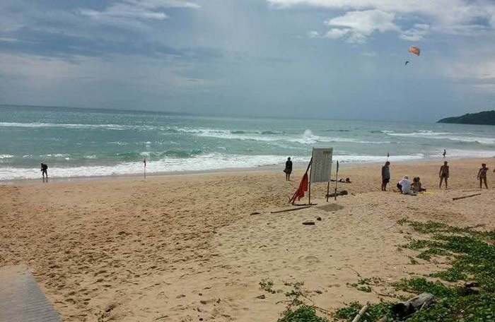 Chinese tourist drowns in Phuket no-swim zone | The Thaiger