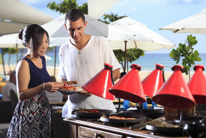 Beefing up the classic lazy Phuket beachside Sunday BBQ | The Thaiger