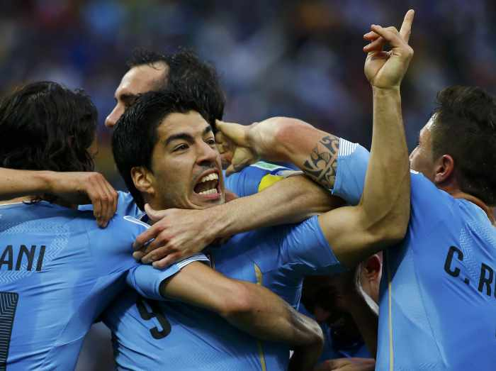 Lethal Suarez gives Uruguay 2-1 win over England | Thaiger