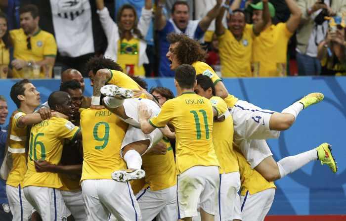 World Cup hosts Brazil aim for quarter-final spot | Thaiger