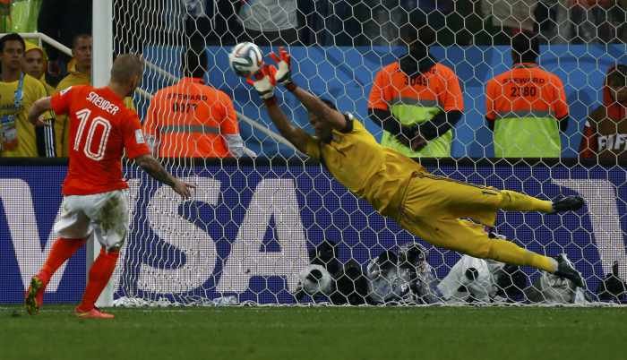 Argentina beat Dutch in shootout to reach final | Thaiger
